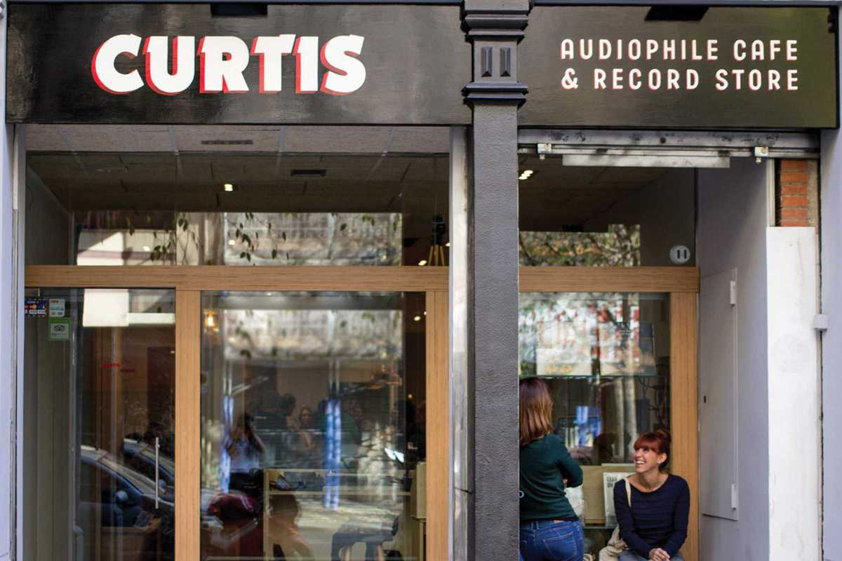 curtis audiophile cafe