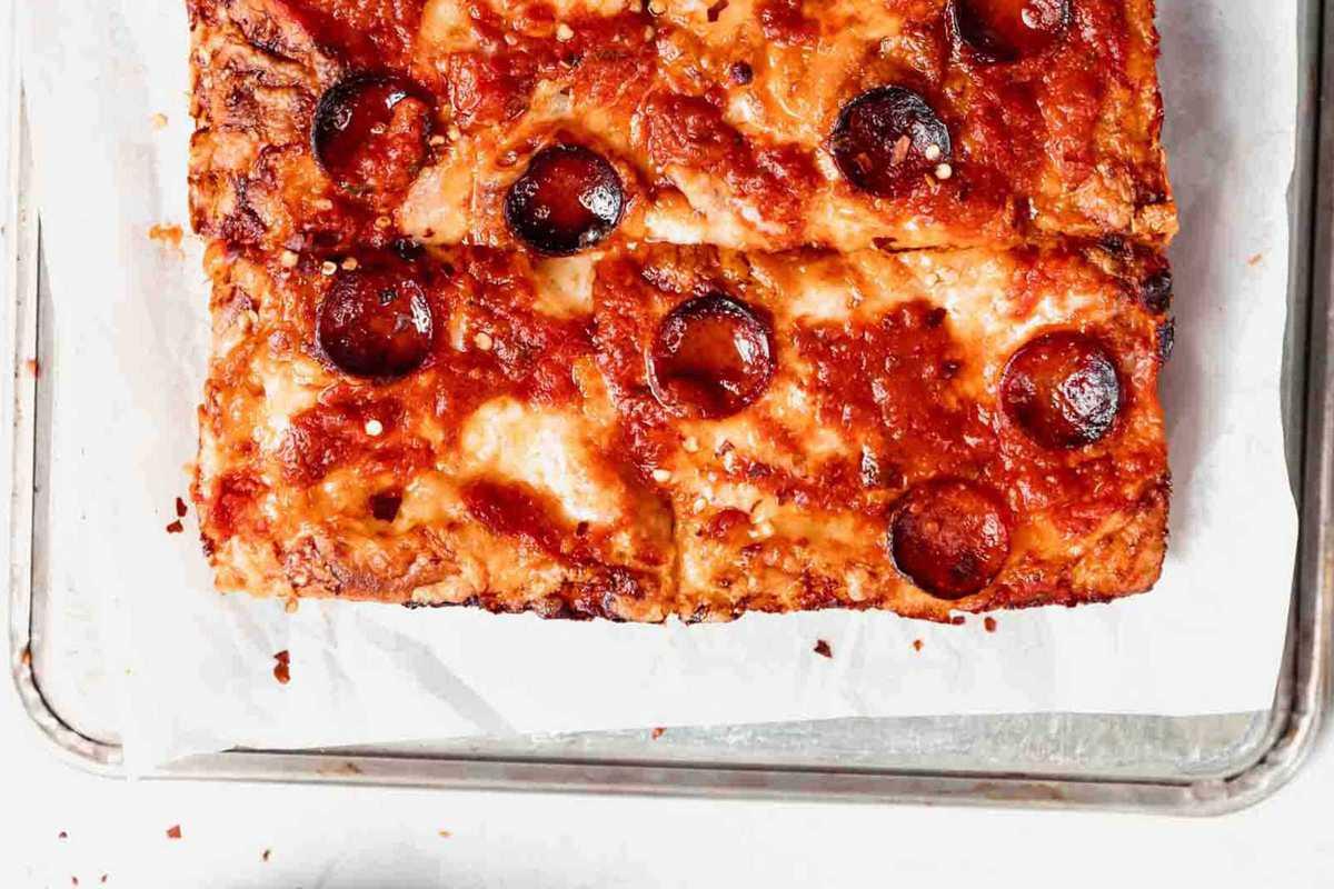deep-pizza-pepperoni