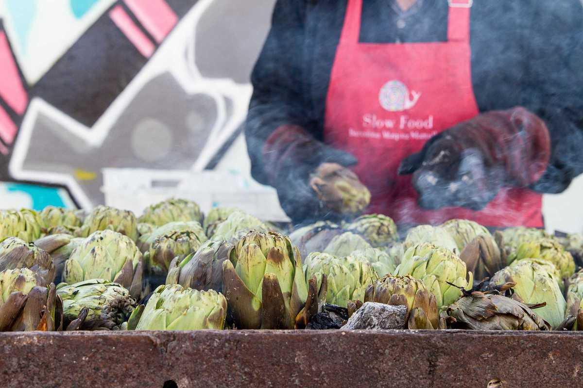 mercat de la terra artichokes