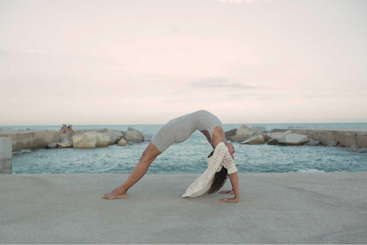 nina yoga sea