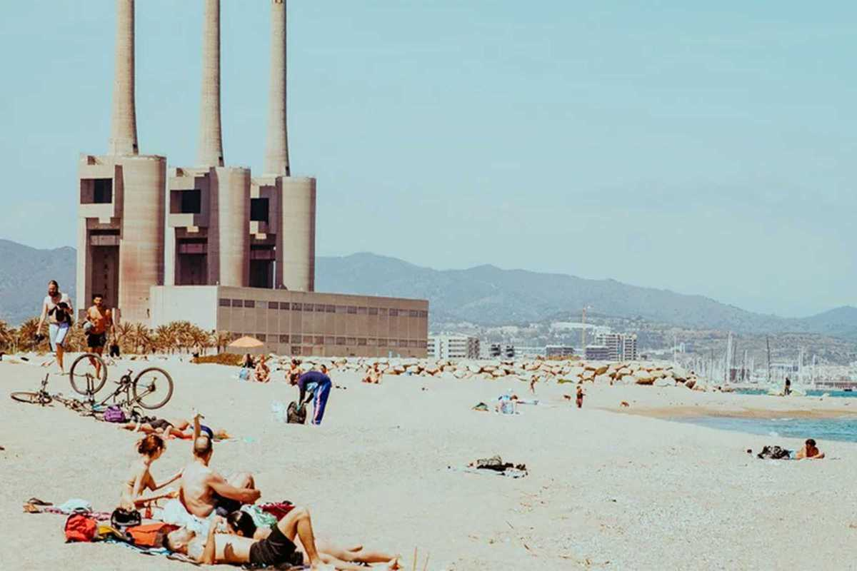 parc del forum beach