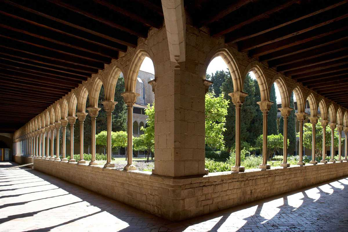 pedralbes monastery cloister