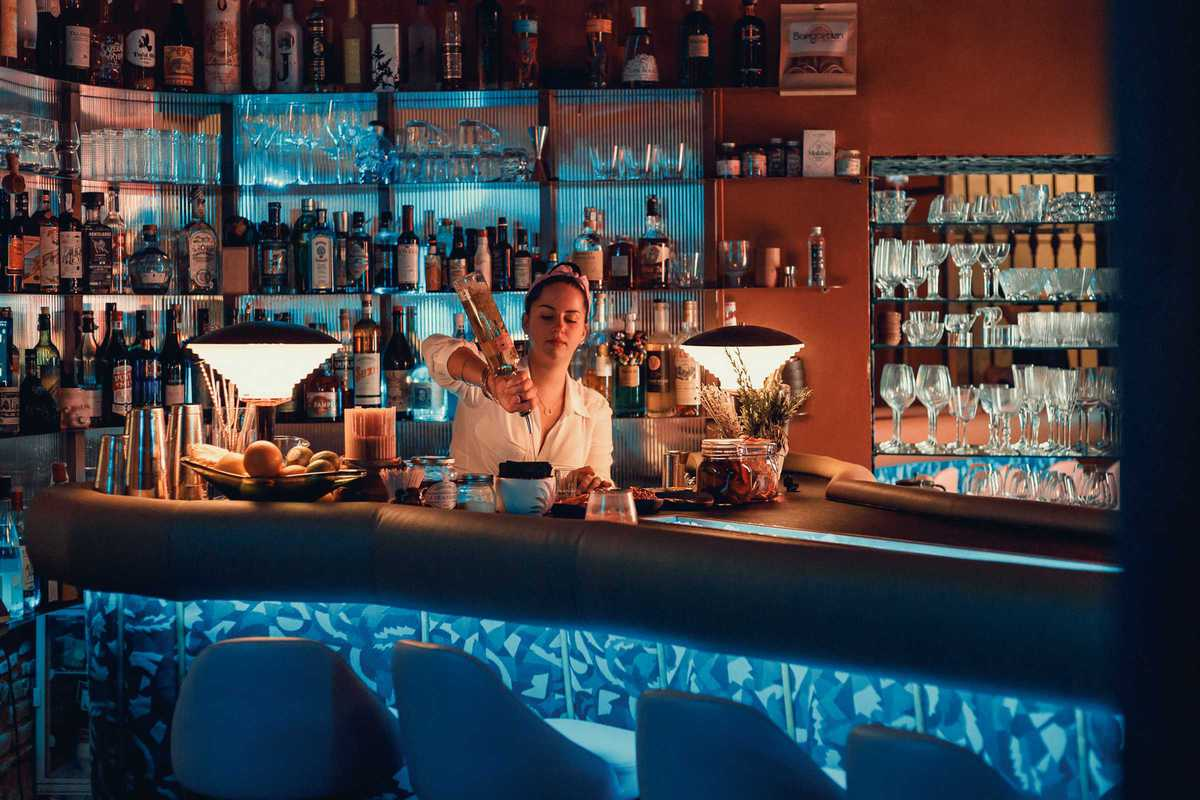 perdita-bar-cocktail-bartender