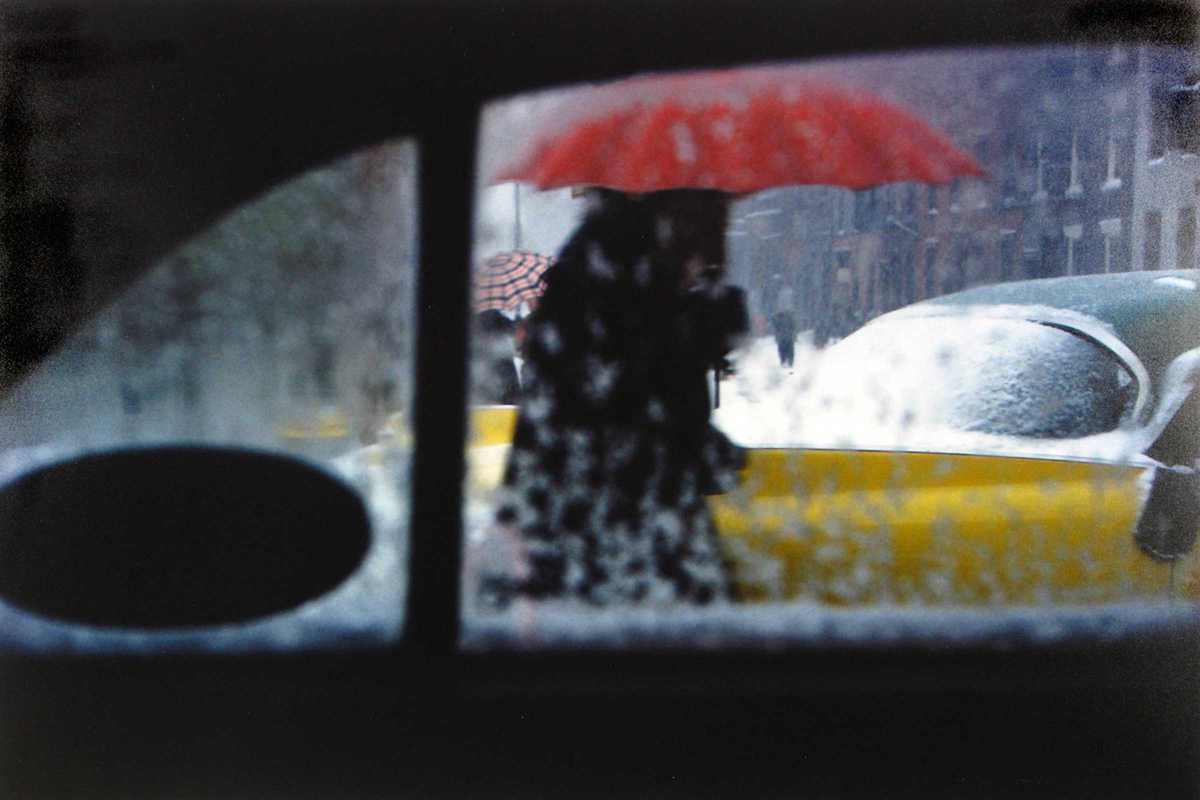 saul leiter the red umbrella