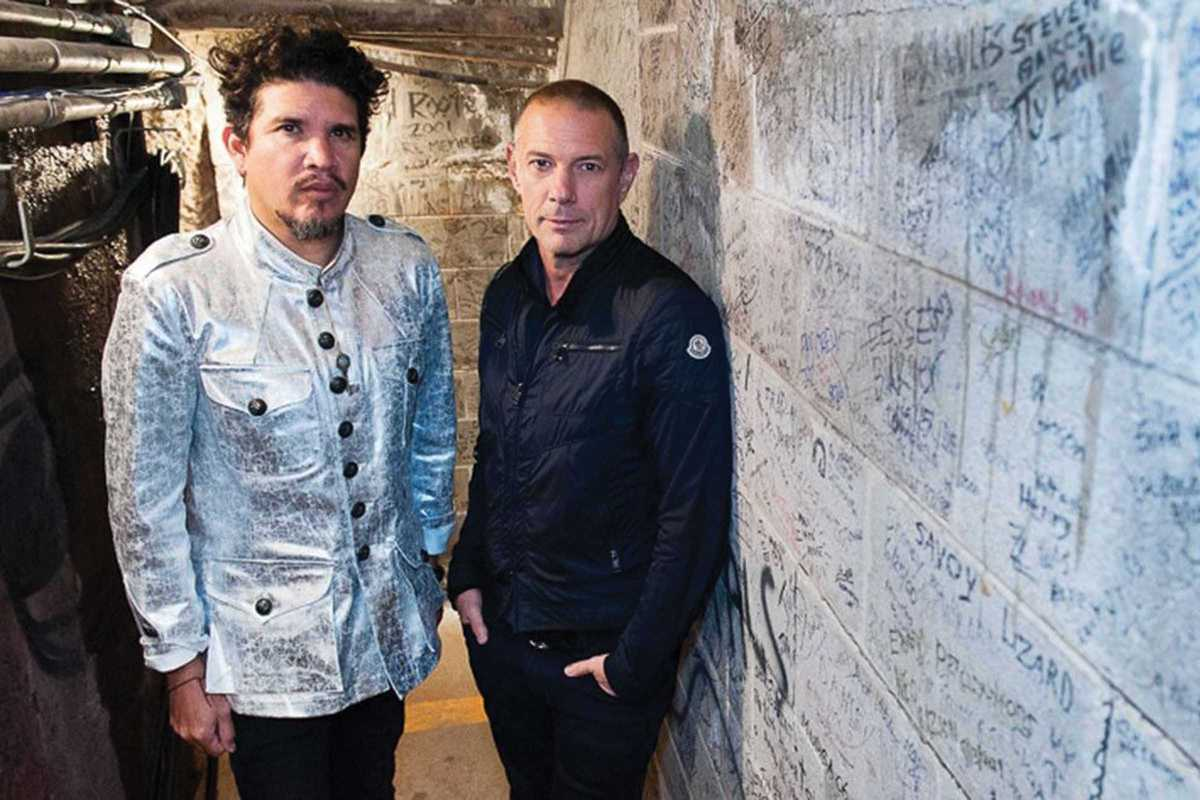 thievery corporation@2x